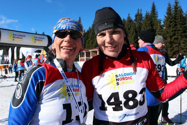 Ewa Szmel (z lewej) i Alena Jindriskova toczyły w tym sezonie zacięte boje o wygraną w kategorii K5. Ostatecznie to Czeszka wygrała w tej kategorii 3 z 4 biegów (fot. Stacja Jakuszyce)