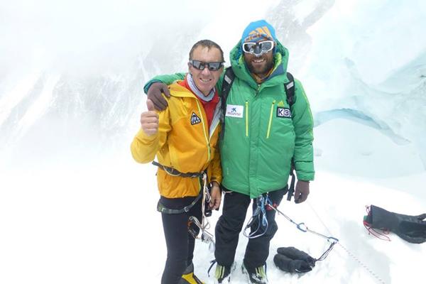 Denis i Alex w obozie II na wysokości 6600 m n.p.m.(fot. alextxikon.com)