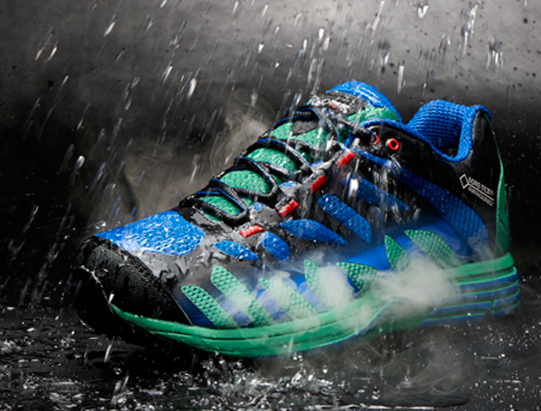 GORE-TEX®-SURROUND™---For-Rain-and-Shine