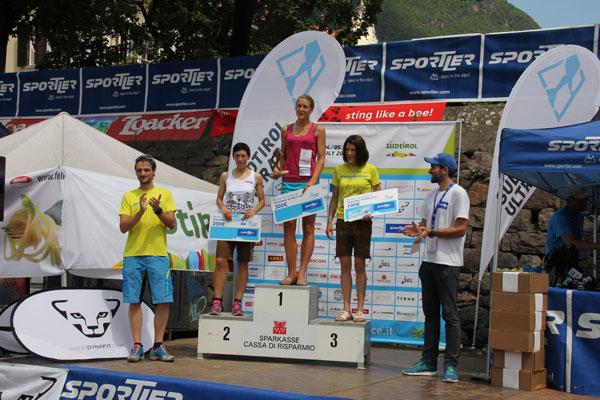 Anna Figura na podium Südtirol Ultra Skyrace(fot. arch. Anna Figura)