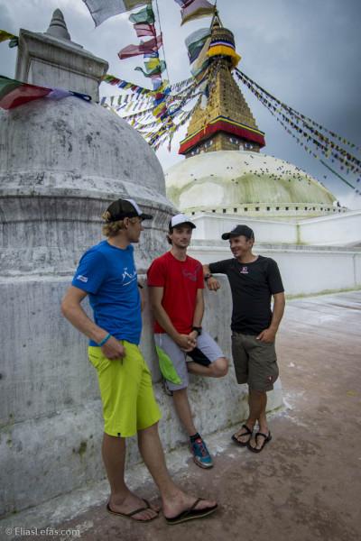 Sebastian Haag, Benedikt Böhm i Andrea Zambaldi w Kathmandu (fot. DYNAFIT)