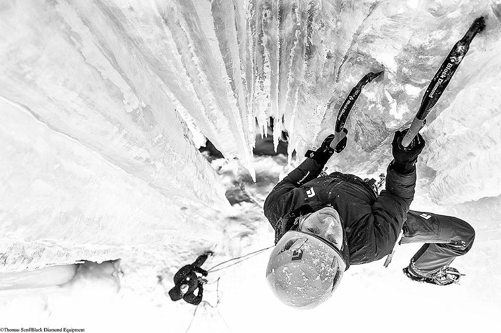 Heike i Erik Schmitt podczas wspinaczki w Rjukan, Norwegia (fot. Thomas Senf / visualimpact.ch / Black Diamond Equipment)