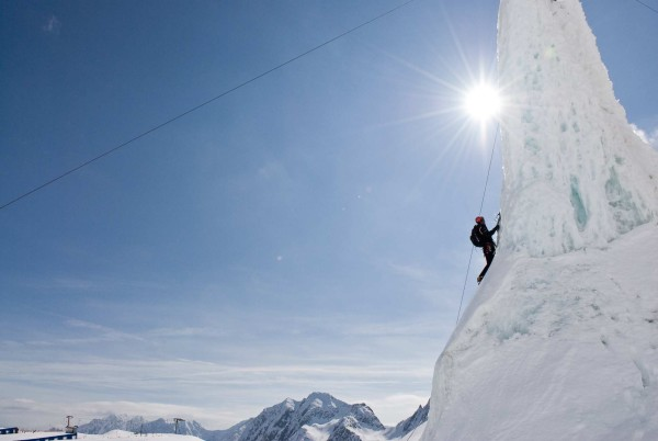 Lodowa wieża do wspinaczki lodowej (fot. Stubai Tirol)