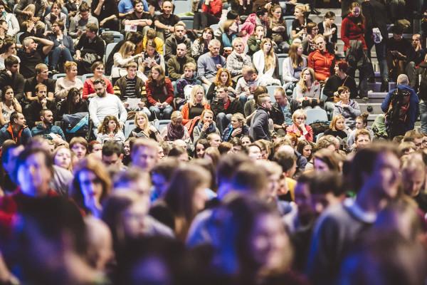Pełna sala 13. Krakowskiego Festiwalu Górskiego (fot. Adam Kokot/KFG)