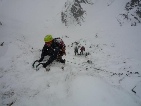 Bogusław Kowalski szkoleniowo w trakcie tegorocznego kursu taternictwa zimowego (fot. arch. Bogusław Kowalski)