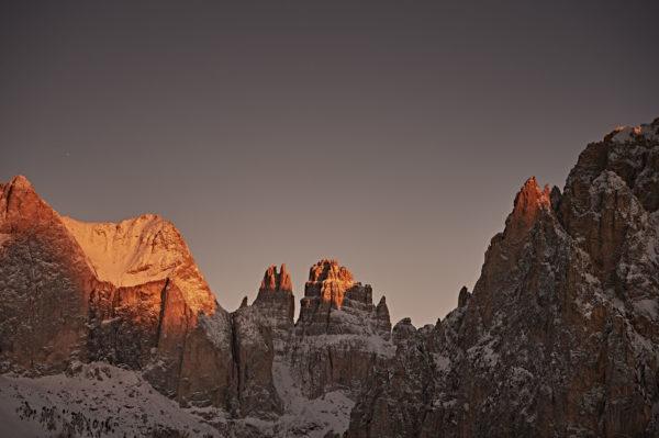 31369-daniele-montigiani-val-di-fassa-ciampedie-catinaccio-alba-sulle-dolomiti