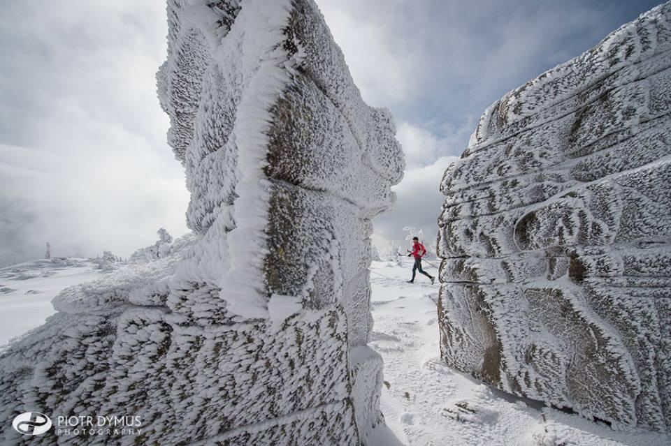 Bajkowa sceneria 4. edycji Zimowego Ultramaratonu Karkonoskiego w obiektywie Piotra Dymusa