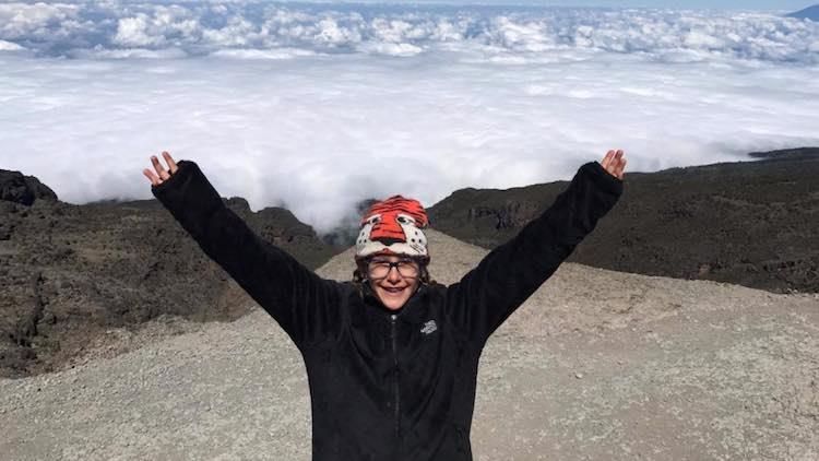 Roxy Getter, lat 8, na wierzchołku najwyższej góry Afryki (fot. 4sport.ua)