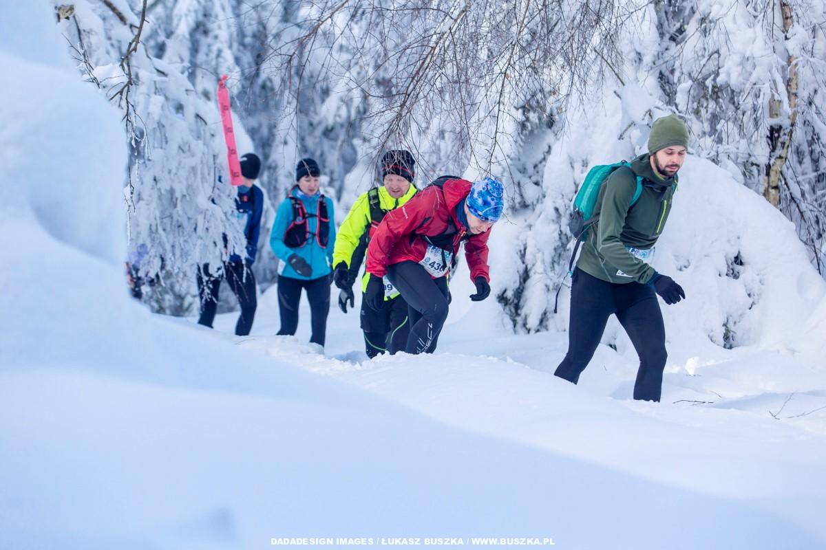Zimowy Półmaraton Gór Stołowych (fot. Łukasz Buszka/DADADESIGN)