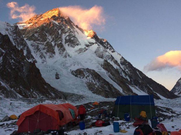 Baza pod zimowym K2, luty 2018 (fot. Janusz Gołąb)