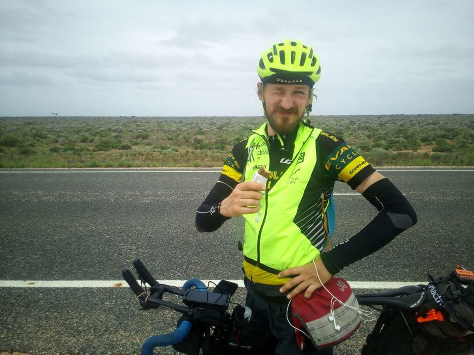 5500 km rowerem w 19 i pół dnia – Polak na mecie ekstremalnego wyścigu