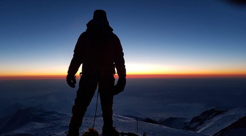 Steve Plain na szczycie Denali (fot. Project 7in4 - profil FB)