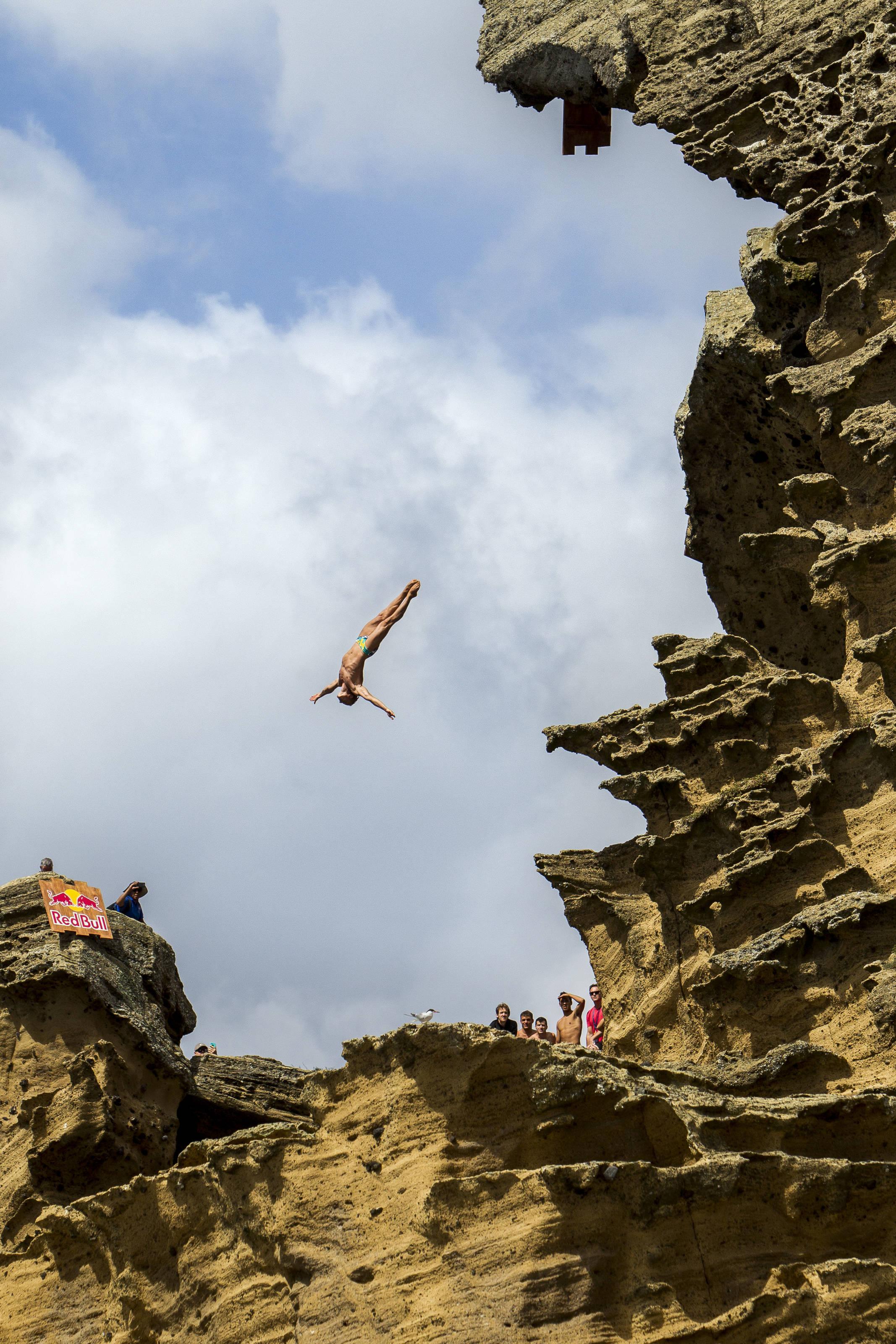 Krzysiek podczas dzisiejszej sesji treningowej na Azorach (fot. Hugo Silva / Red Bull Content Pool)