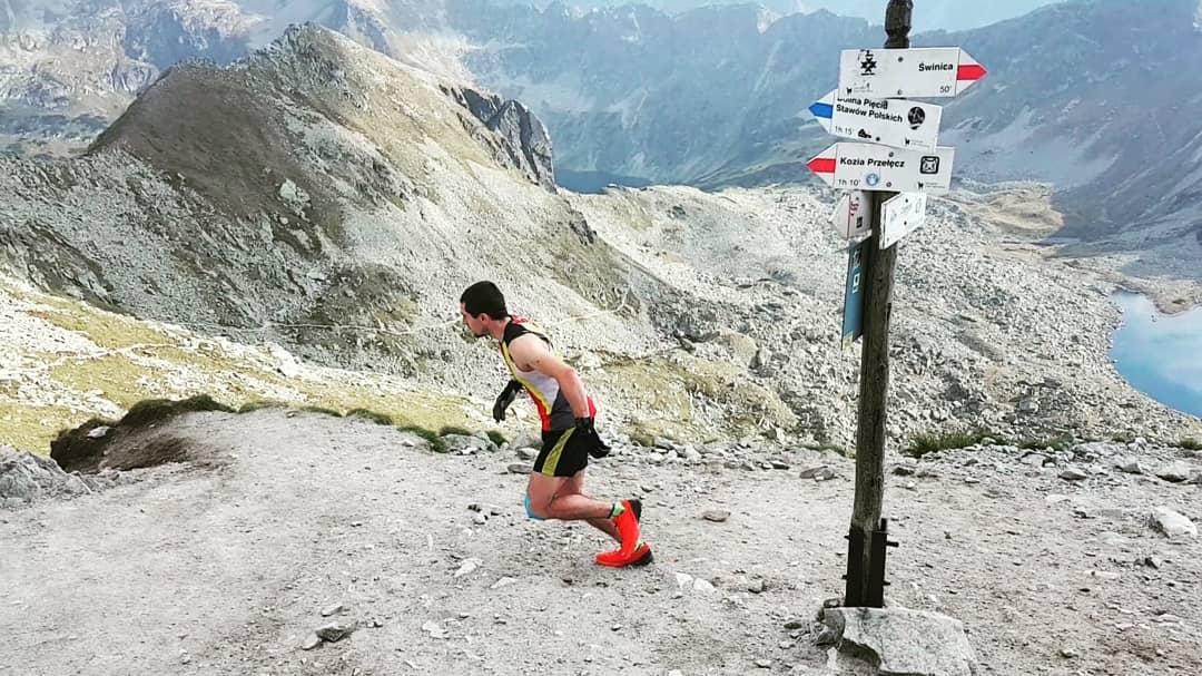 Filip Babicz startuje z Zawratu do rekordowego biegu po Orlej Perci