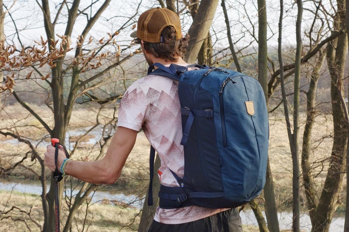 Jesienny trekking z plecakiem KEB