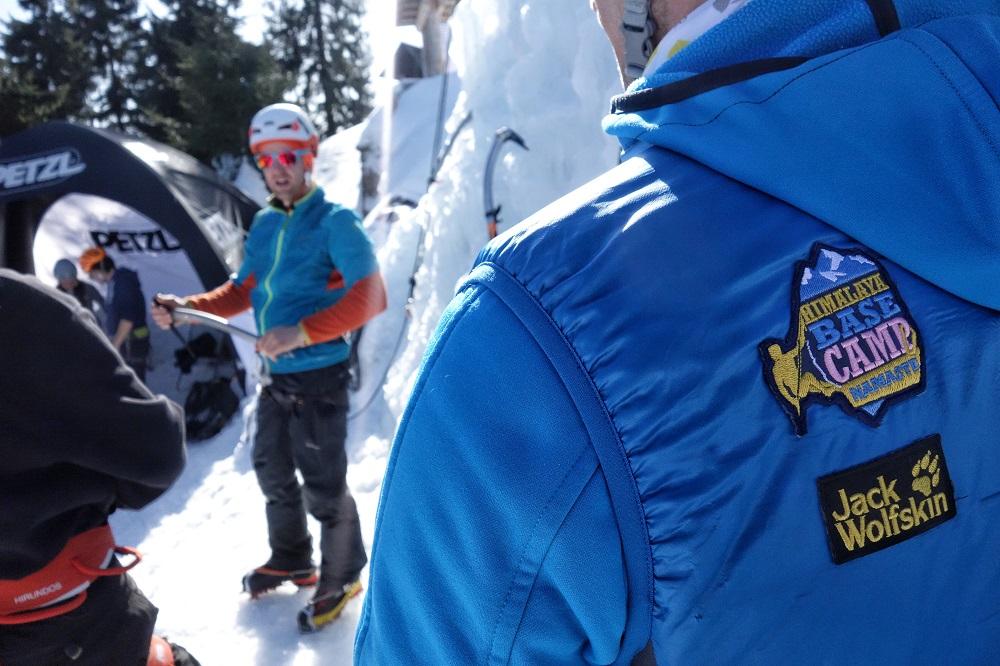Marka Petzl pomaga postawić pierwsze kroki w lodzie (fot. Outdoor Magazyn)