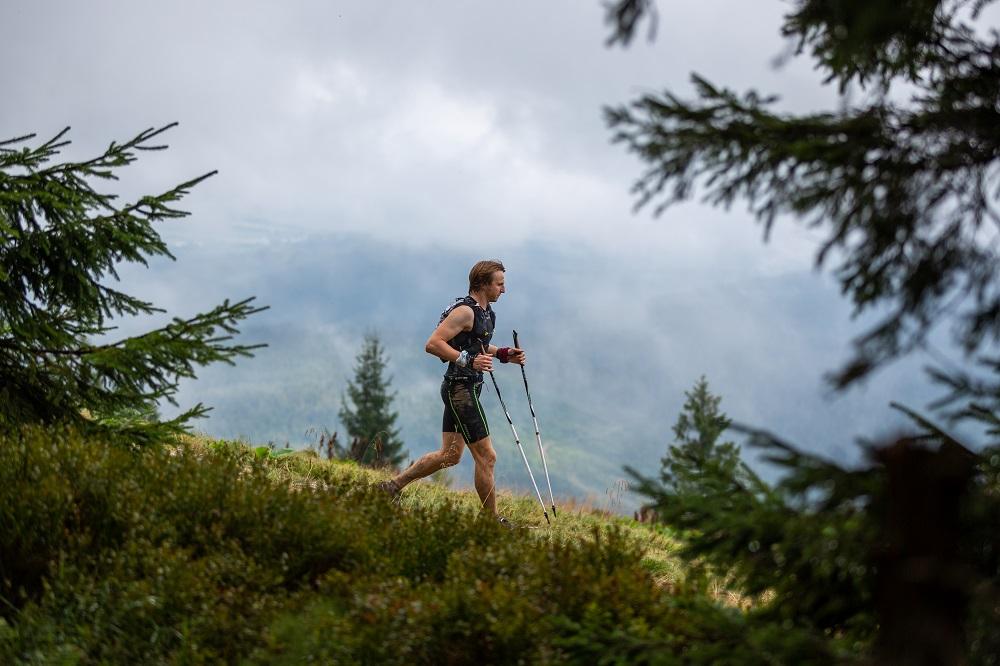Biegi górskie kuszą pięknymi widokami i obietnicą przygody na łonie natury (fot. Karolina Krawczyk - z trasy biegu Chudy Wawrzyniec)
