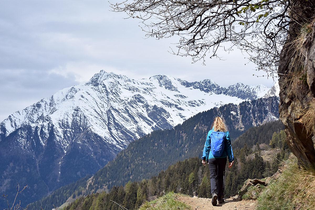 Na ambitnych czekają okoliczne wysokie szczyty (fot. outdoormagazyn.pl)