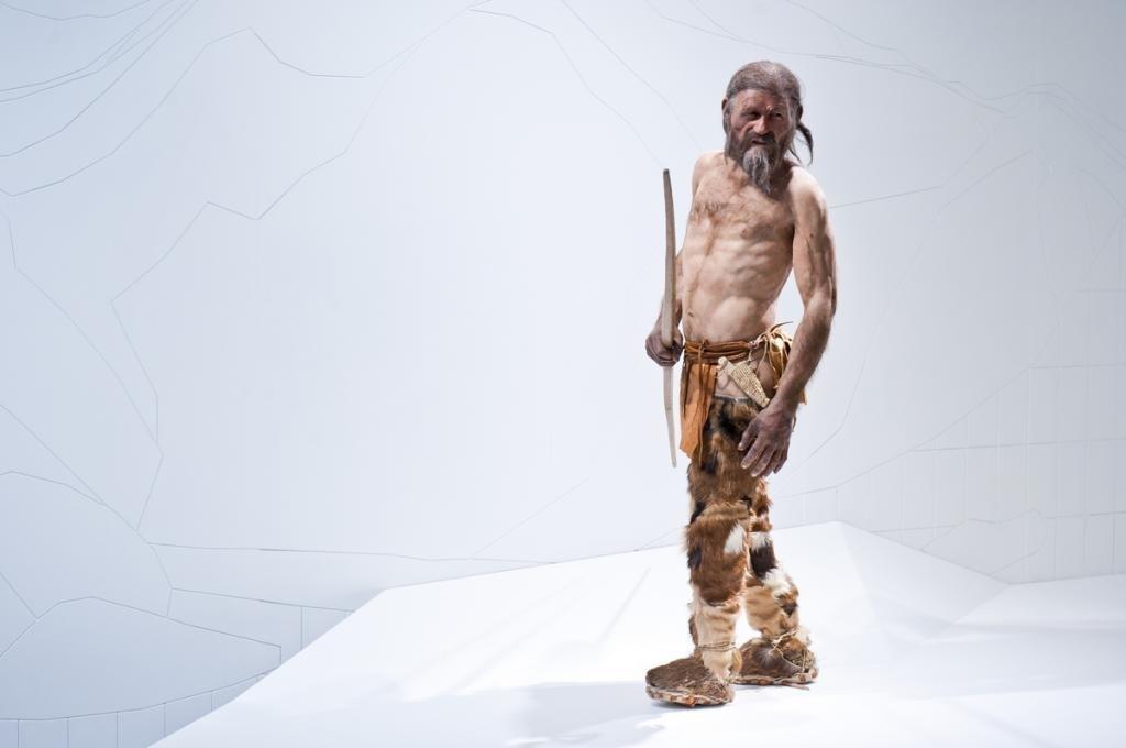 Ötzi - rekonstrukcja w Muzeum Archeologicznym w Bolzano (fot. South Tyrolean Museum of Archeology)