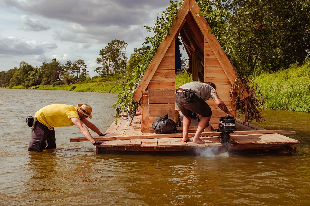 Katastrofalny stan Bugu. Spływ Długowskiego przerwany z powodu niskiego stanu wody (fot. Filip Klimaszewski)