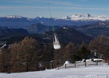 Transport śniegu w Montclar (fot. Dauphiné Libéré)
