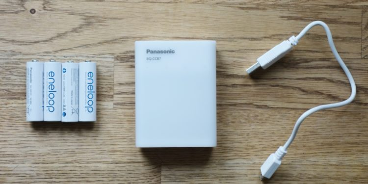 Najnowsza ładowarka Panasonic i akumulatory eneloop - dobra energia (fot. OM)