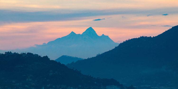 Baudhha Himal, Himalchuli i Manaslu widziane z Doliny Kathmandu (fot. Abhushan Gautam)