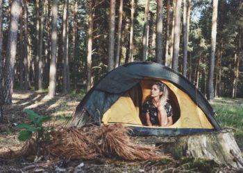 Czy da się legalnie nocować pod namiotem w lesie? (fot. MG / outdoormagazyn.pl)