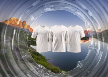 Koszulki The North Face z przetworzonych plastikowych butelek  zebranych w Alpach (fot. TNF)